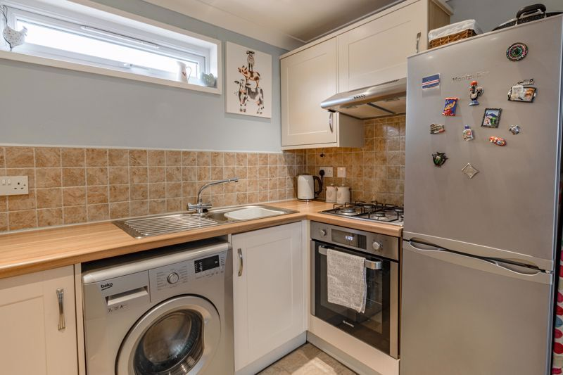 1 bed flat for sale in Thatchers Green 6