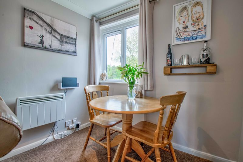 1 bed flat for sale in Thatchers Green 7