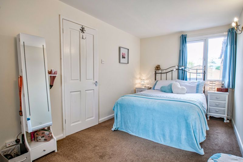 1 bed flat for sale in Thatchers Green  - Property Image 9