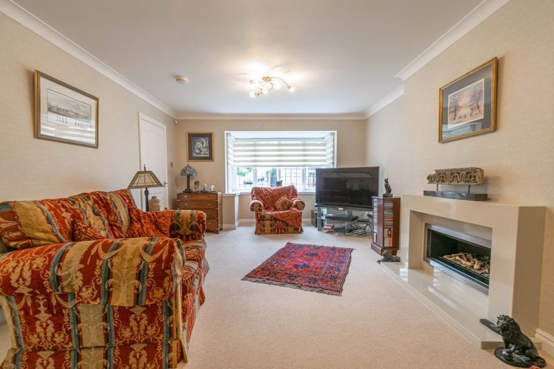 4 bed house for sale in Epsom Close  - Property Image 3