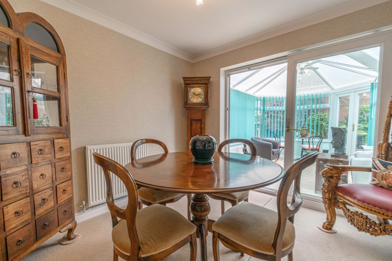 4 bed house for sale in Epsom Close 4