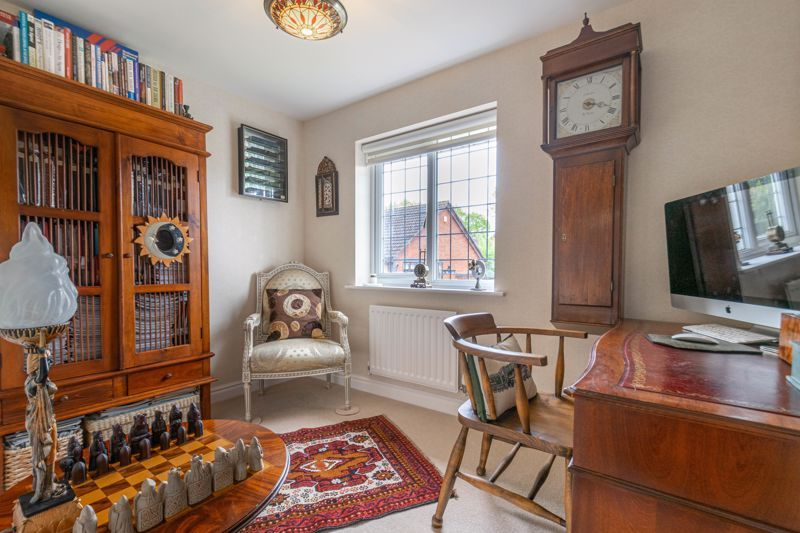4 bed house for sale in Epsom Close 10