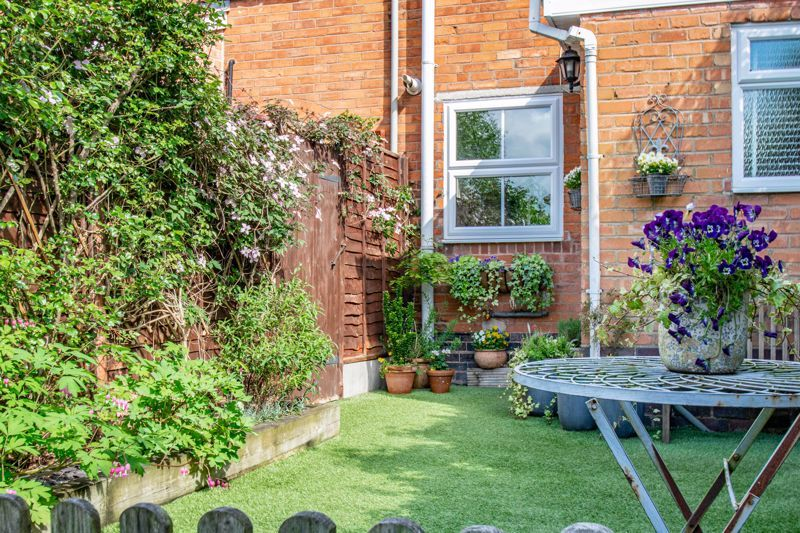 2 bed house for sale in Dodford Road 13
