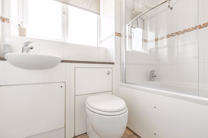 4 bed house for sale in Melrose Avenue  - Property Image 18