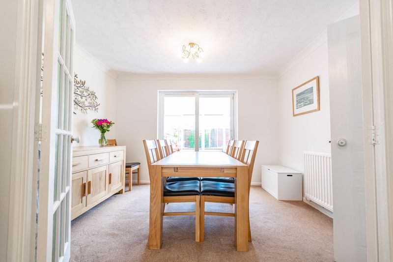 4 bed house for sale in Melrose Avenue  - Property Image 3