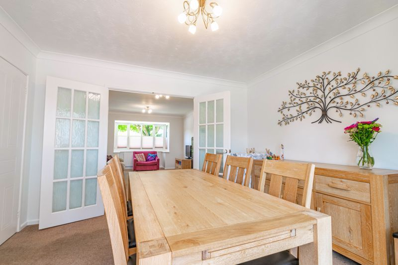 4 bed house for sale in Melrose Avenue  - Property Image 4