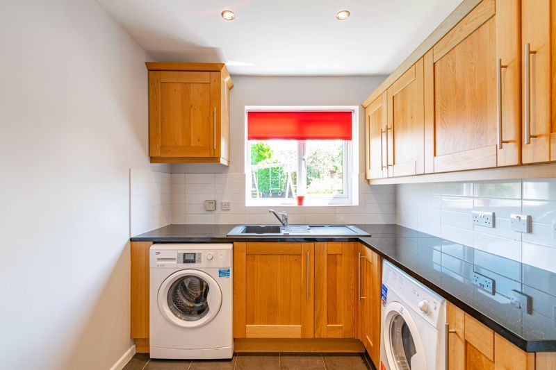 4 bed house for sale in Melrose Avenue  - Property Image 9
