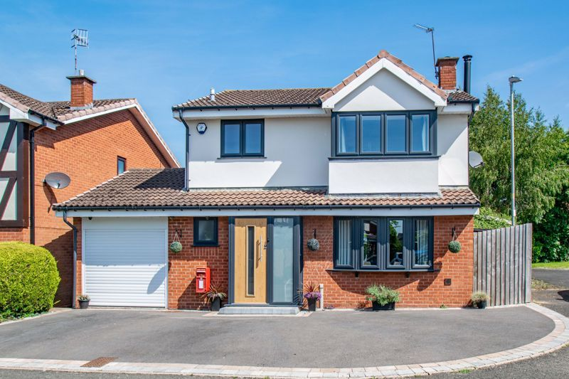 4 bed house for sale in Avoncroft Road - Property Image 1