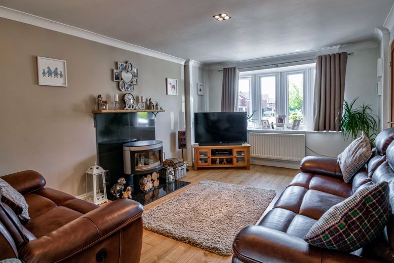 4 bed house for sale in Avoncroft Road  - Property Image 2