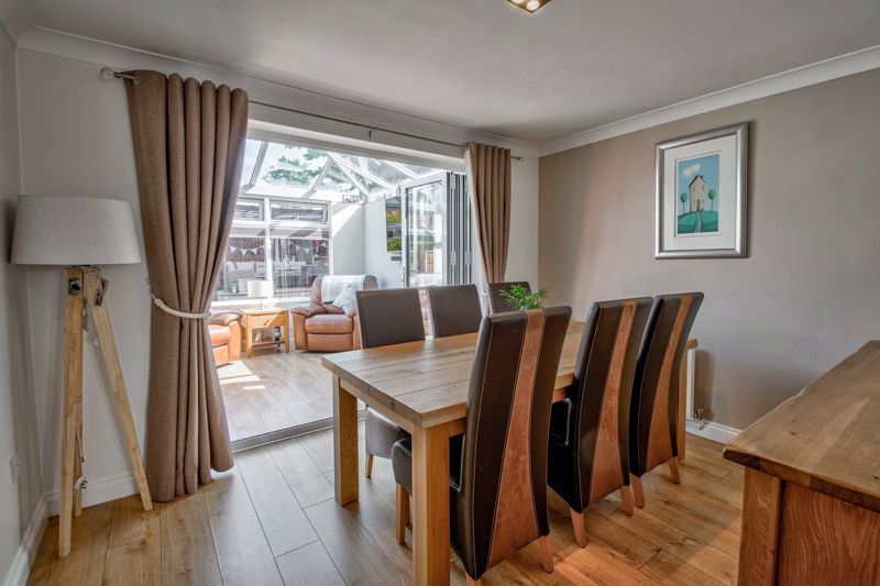 4 bed house for sale in Avoncroft Road  - Property Image 3