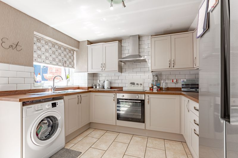 3 bed house for sale in Felbrigg Close  - Property Image 3