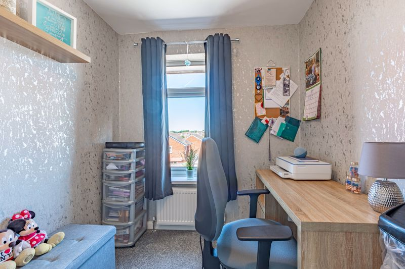3 bed house for sale in Felbrigg Close 9