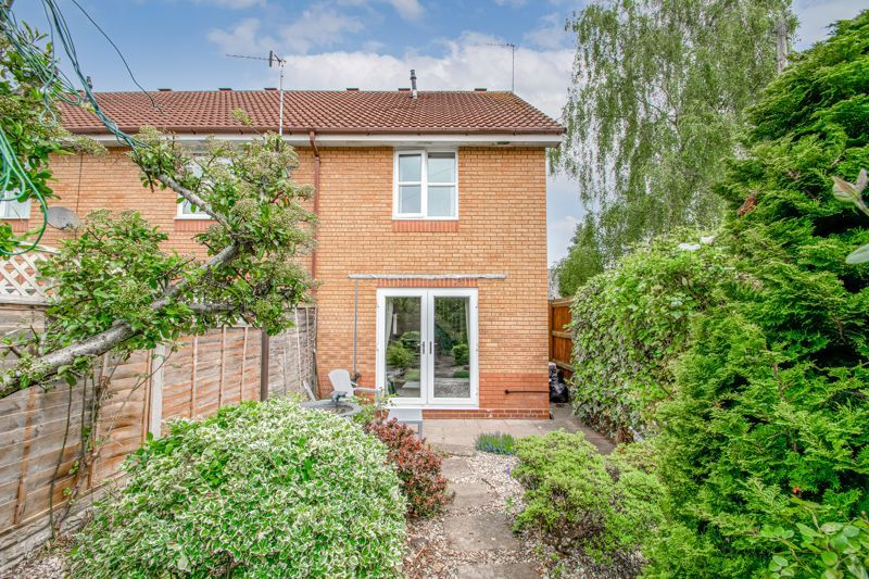 2 bed house for sale in Whitefriars Drive 11