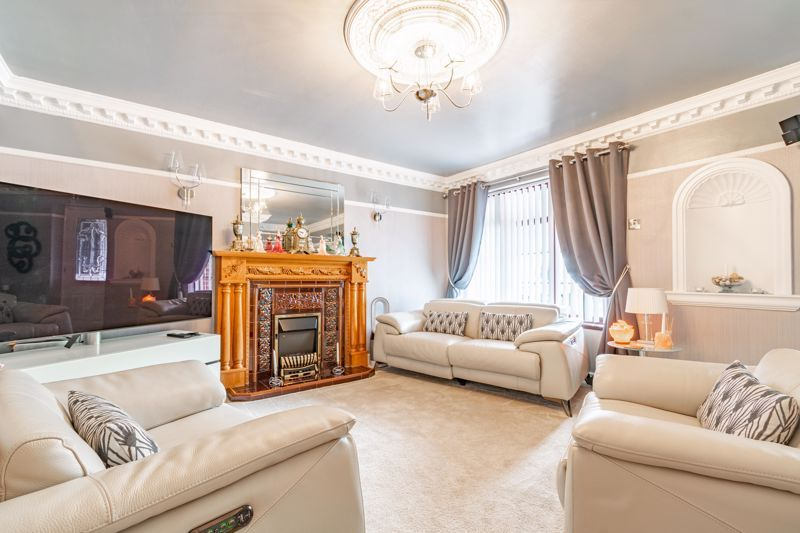 4 bed house for sale in Regis Heath Road  - Property Image 2