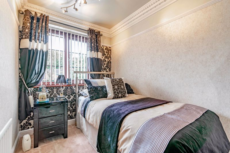 4 bed house for sale in Regis Heath Road 15