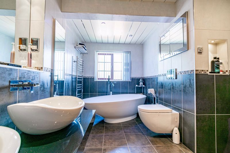 4 bed house for sale in Regis Heath Road 17