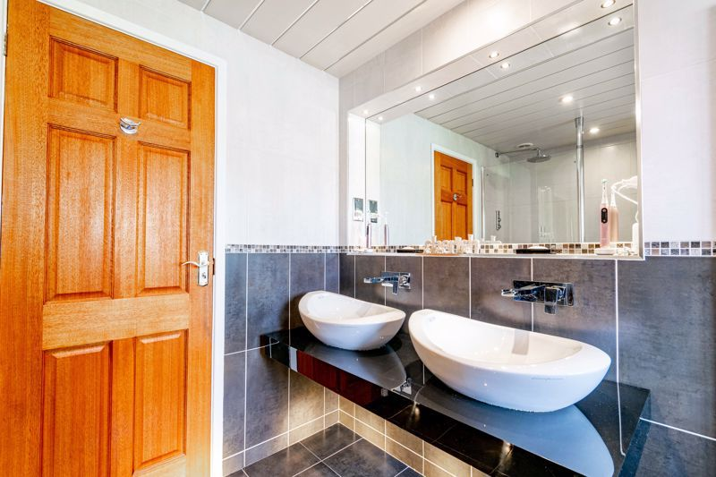 4 bed house for sale in Regis Heath Road  - Property Image 18