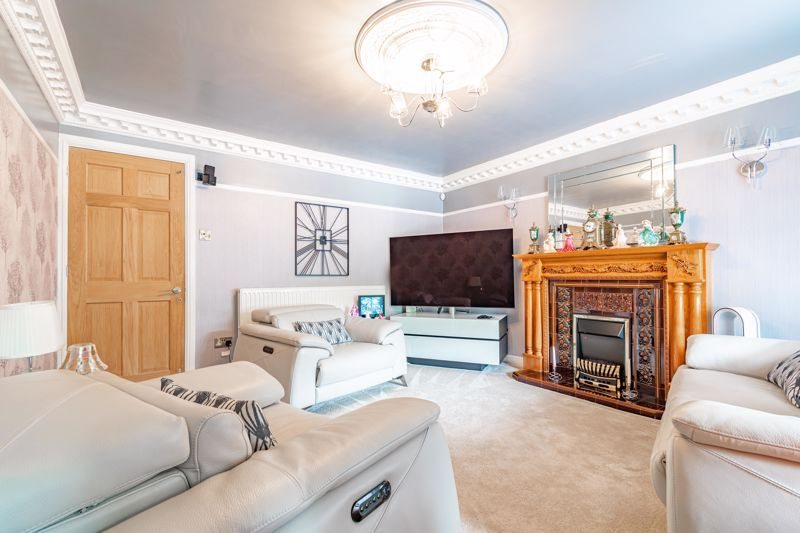 4 bed house for sale in Regis Heath Road  - Property Image 3