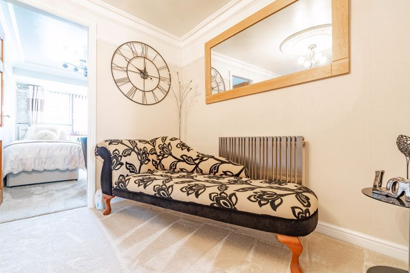 4 bed house for sale in Regis Heath Road 9