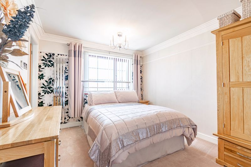 4 bed house for sale in Regis Heath Road 10