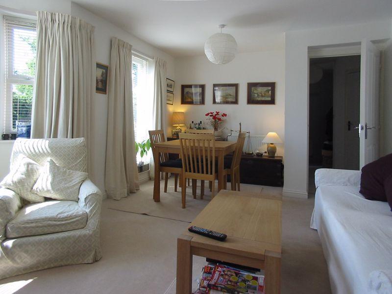 2 bed flat for sale in Trefoil Gardens  - Property Image 3