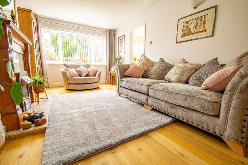 3 bed house for sale in Pinewood Drive 2
