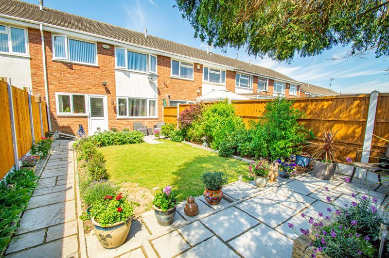 3 bed house for sale in Pinewood Drive  - Property Image 12