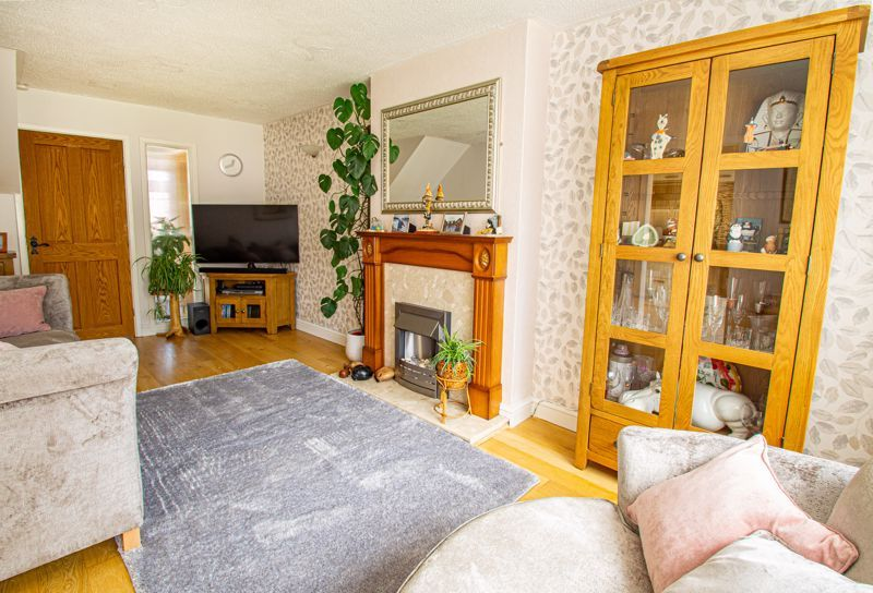3 bed house for sale in Pinewood Drive 16