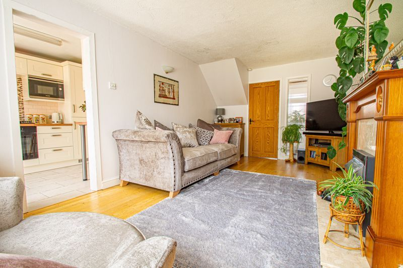 3 bed house for sale in Pinewood Drive 3