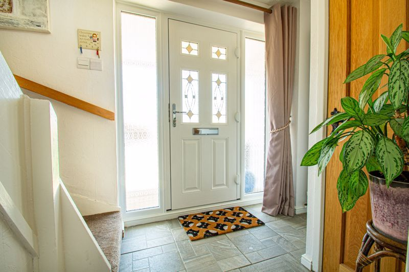 3 bed house for sale in Pinewood Drive 6