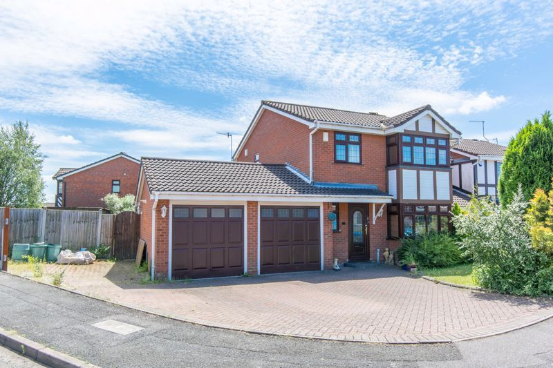 4 bed house for sale in Gratham Close 1