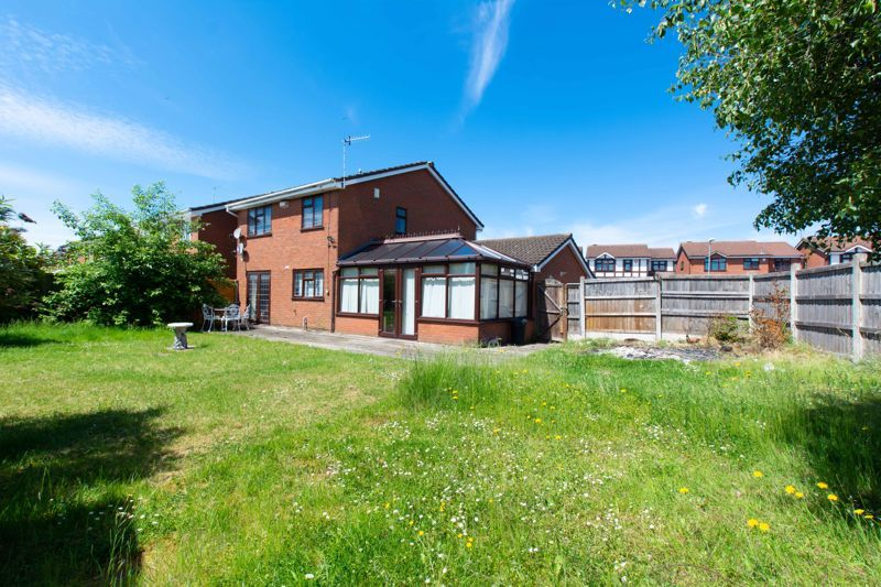 4 bed house for sale in Gratham Close  - Property Image 13