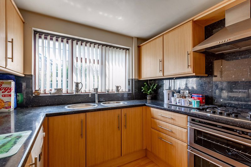 4 bed house for sale in Gratham Close  - Property Image 17