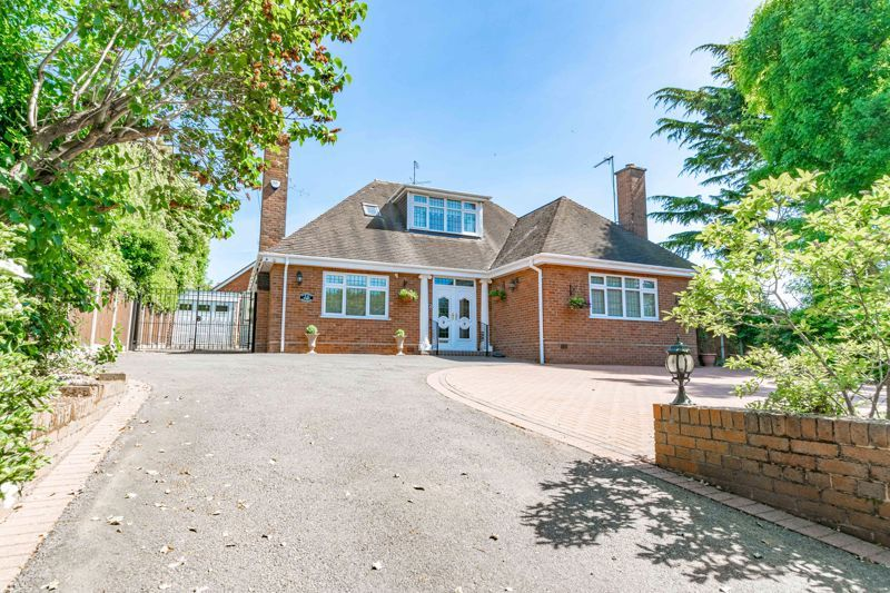 3 bed bungalow for sale in Drews Holloway 19