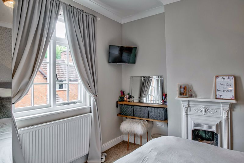 2 bed house for sale in Brook Road 17