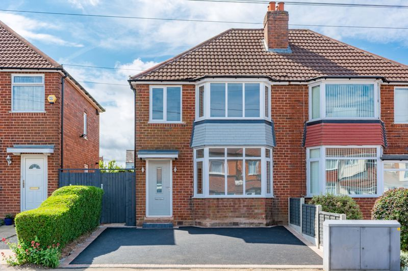 3 bed house for sale in Westbourne Road 1