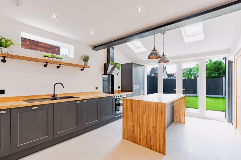 3 bed house for sale in Westbourne Road 2