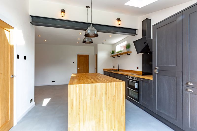3 bed house for sale in Westbourne Road  - Property Image 4
