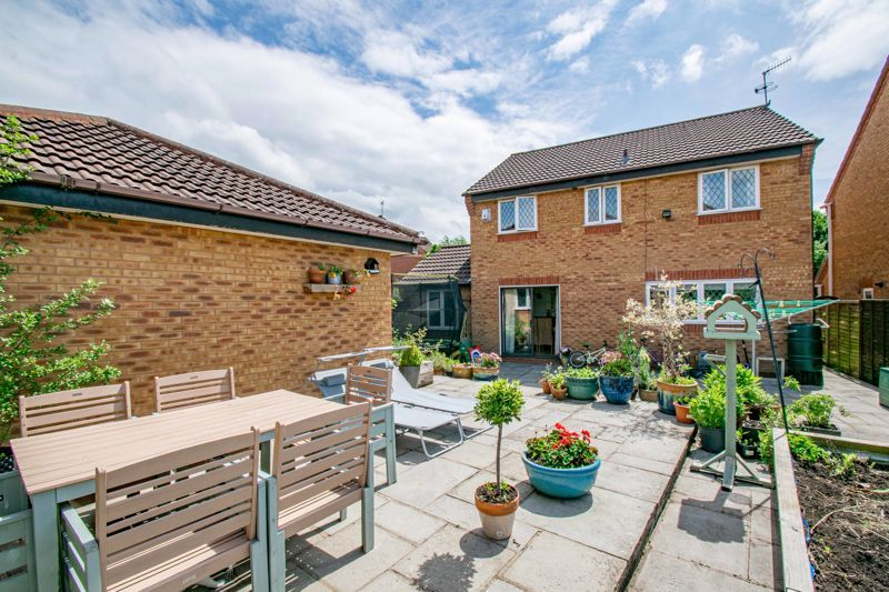 4 bed house for sale in Cirencester Close  - Property Image 14