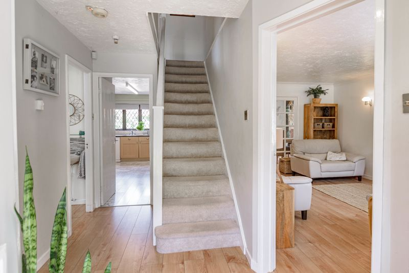 4 bed house for sale in Cirencester Close  - Property Image 18