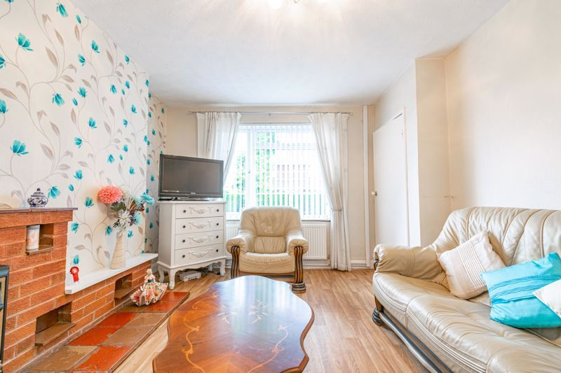 3 bed house for sale in Regis Road 4