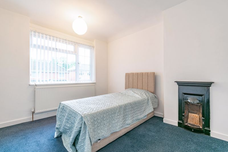 3 bed house for sale in Regis Road 10
