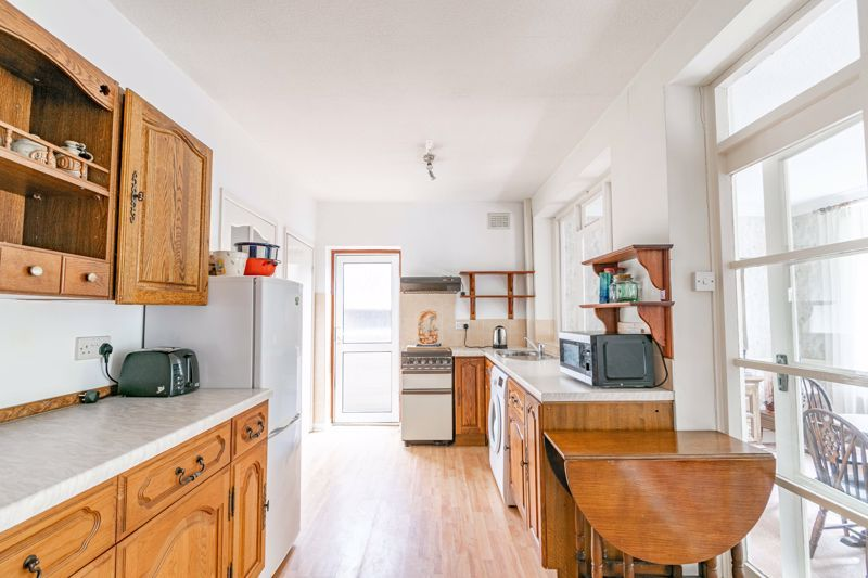 3 bed house for sale in Shelton Lane 5