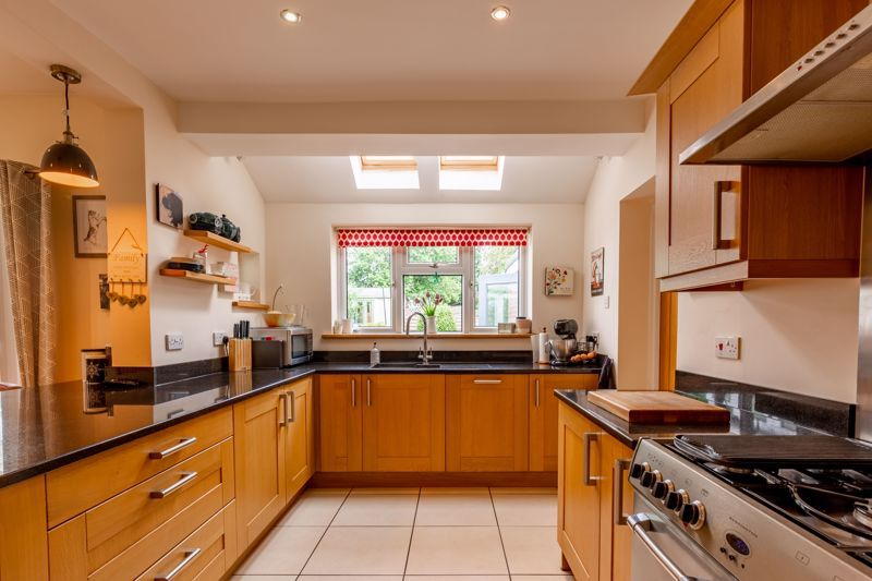 3 bed house for sale in Chawn Hill 5