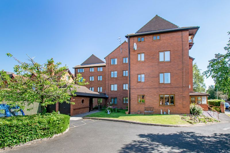 2 bed flat for sale in The Crescent 12