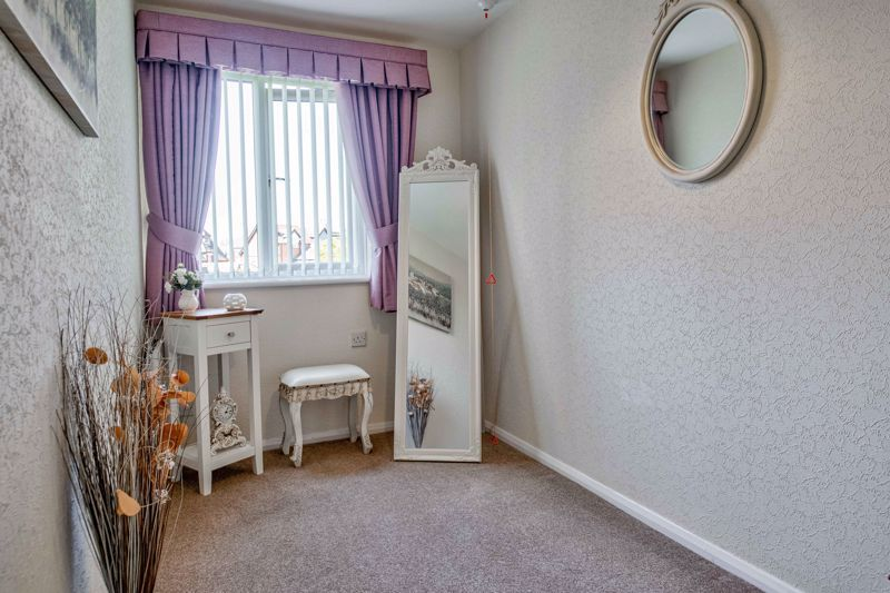 2 bed flat for sale in The Crescent 9