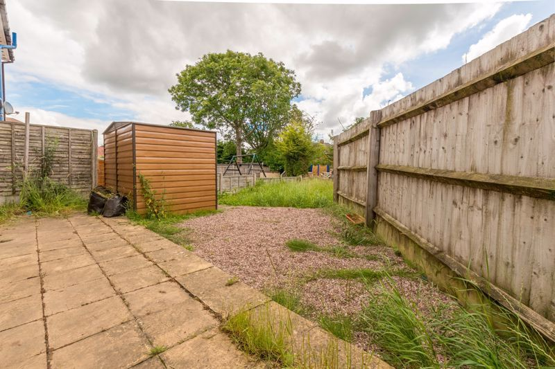 2 bed flat for sale in Bowes Road  - Property Image 12
