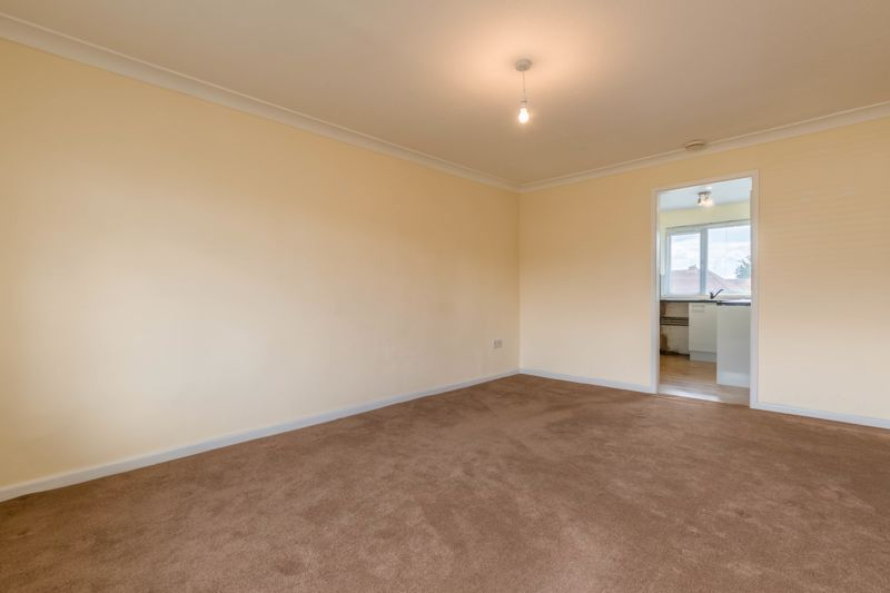 2 bed flat for sale in Bowes Road  - Property Image 3