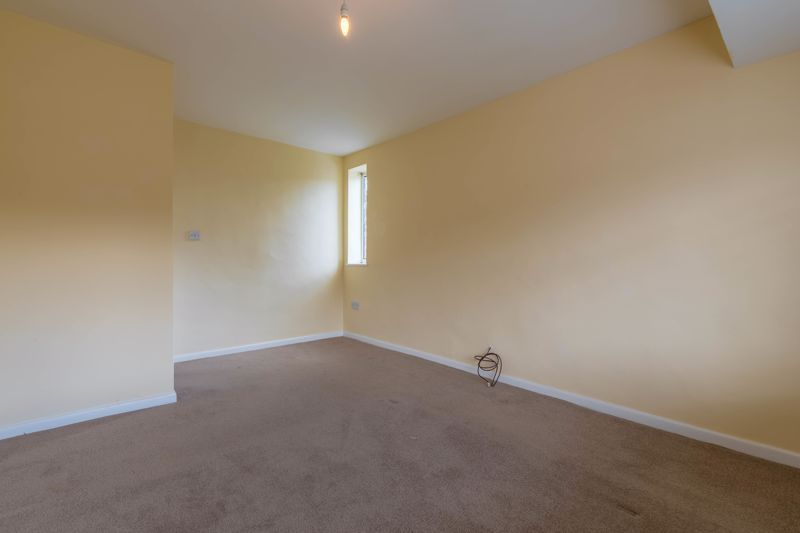 2 bed flat for sale in Bowes Road  - Property Image 6
