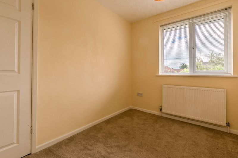 2 bed flat for sale in Bowes Road  - Property Image 8